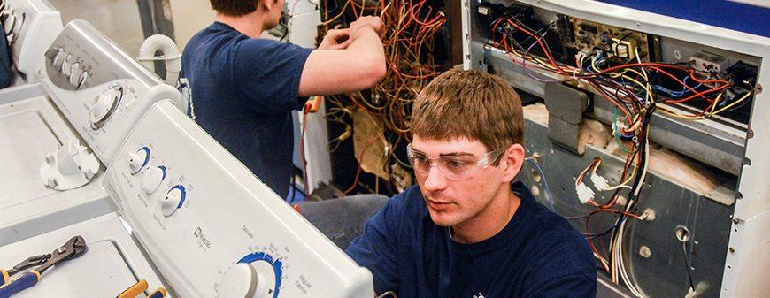 What Is An HVAC Tech?